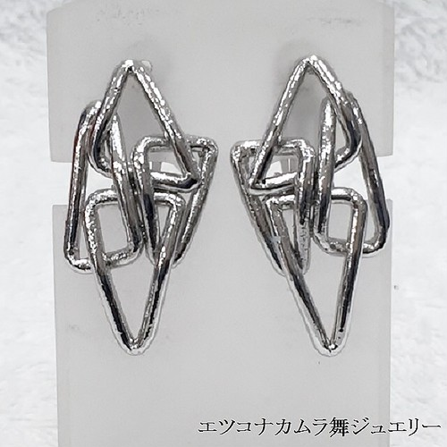 トライアングルイヤリングP-Ka