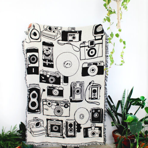 CALHOUN&CO. VINTAGE CAMERAS BLACK & WHITE REVERSIBLE THROW BLANKET スローブランケット