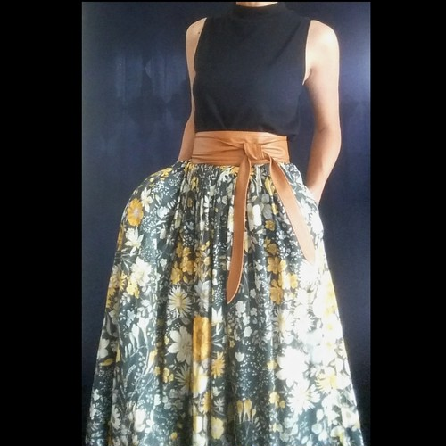 SK-025 70s 花柄ギャザースカート