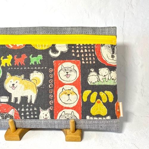 ふわふわポーチ「柴犬さんたち」黒 ×  黄色