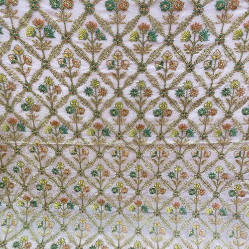 インド製フラワー刺繍ファブリック ライトピンク(1m)