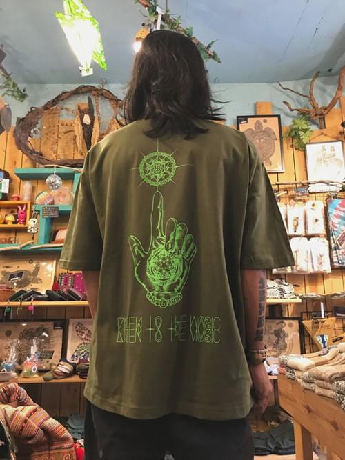 『HAND』T-shirt khaki