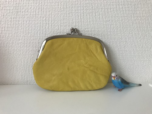 くしゅくしゅ黄色レザーの、ぺたんこ仕切りがまぐち財布