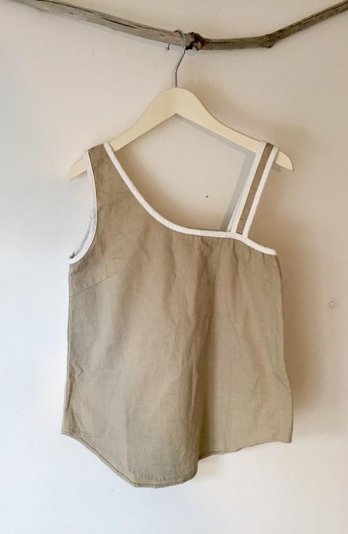 Asymmetry Shoulder top (beige)