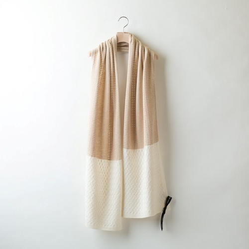 BASKET PATTERN STOLE (Beige x White)  DBA0004