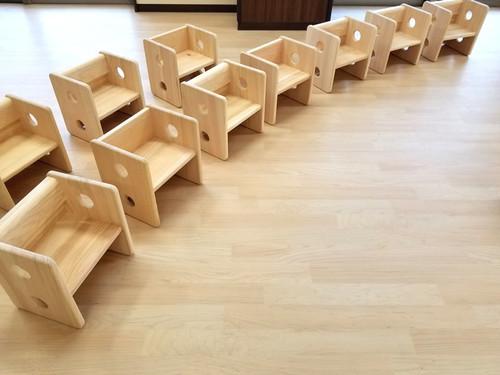 こども椅子「エンジェルチェアー」 国産の桧(ヒノキ)使用 保育園運営会社が設計・販売♪