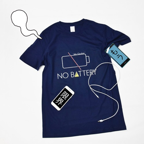 NO BATTERY プリントTシャツ
