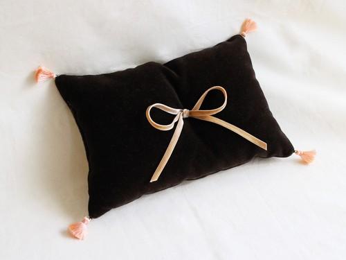 ring pillow(brown×アプリコットタッセル)