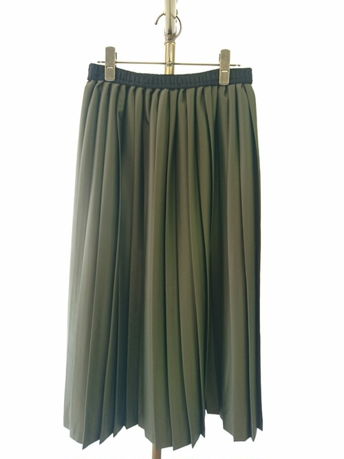 pleat skirt/B-chad