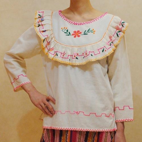 XS~Lサイズ【アメリカ製古着】メキシコ民族刺繍◆お花刺繍のトップス