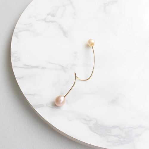 ■twist pearl pierce -pink-■ ツイストパールピアス ピンク