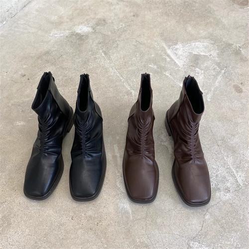 ギャザーデザインブーツ バックジップ スクエアトゥ ローヒール 合皮 革 黒 ブラック 茶 ブラウン 秋冬 防寒 個性的 カジュアル 韓国