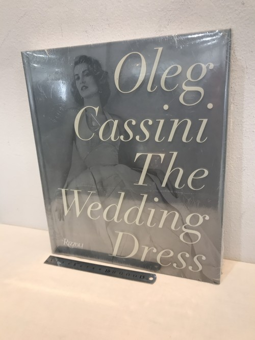オレグ・カッシーニ Oleg Cassini the wedding dress