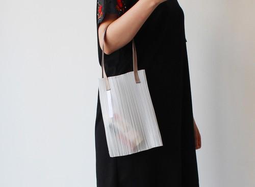 zero:Pleats bag - S(ストライプ)プリーツ・バッグ S:ショルダーバッグ 軽い 透ける 透明感
