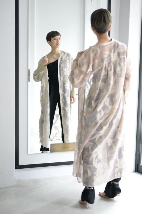 EBONY / Iris Cut jacquard Long shirt (beige)