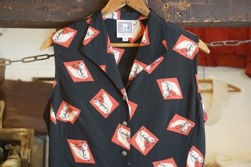 80's horse printed rayon collarless Shirt