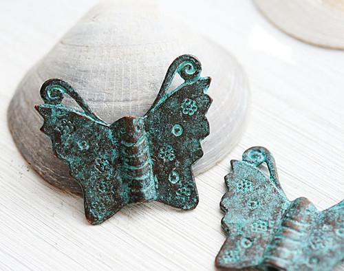 チョウチョ(蝶々) バタフライ ブロンズ・チャーム ギリシャの青銅ビーズ ハンドメイドビーズパーツ 2個 +*アルケミスト