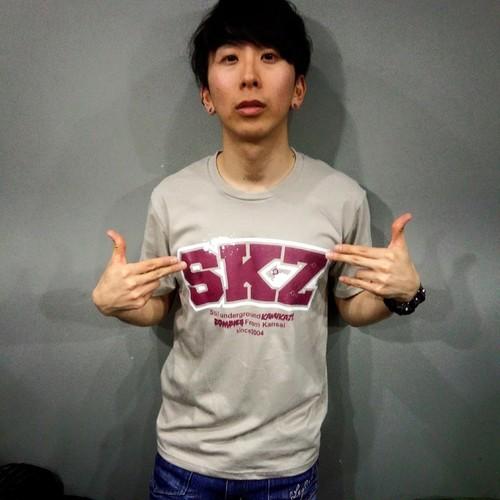SKZ ロゴTシャツ GARY