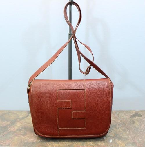 .FENDI LOGO DESIGN LEATHER SHOULDER BAG MADE IN ITALY/フェンディロゴデザインレザーショルダーバッグ 2000000030548