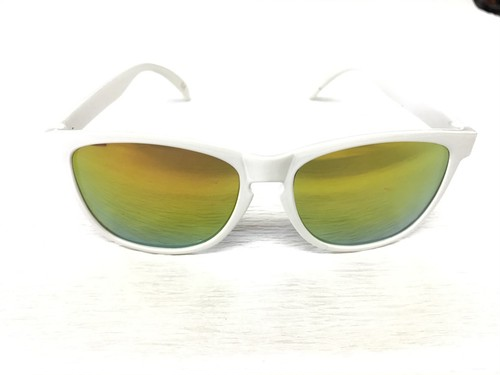 Deric glassy sunhaters