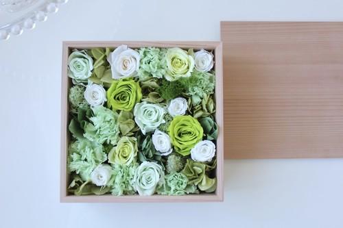 令和元年の贈り物・秋田杉箱花16 -green-