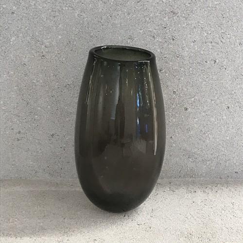 Flower vase gray