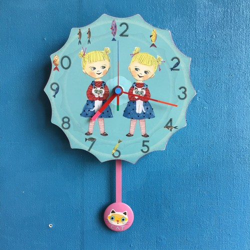 twins and 2cats clock (振り子時計)
