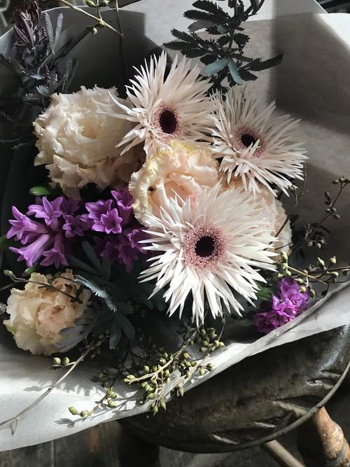 Bouquet rond 「Petit」(丸い花束 / 小さめ)
