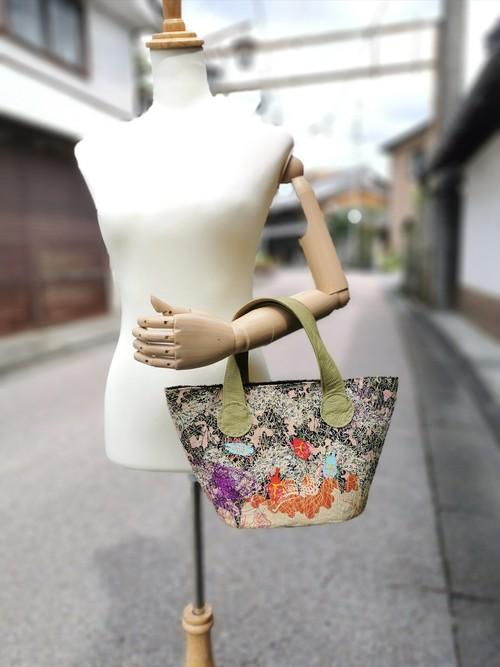 トラペジウムバッグ 'Trapezium Bag' by Ayako Yamada