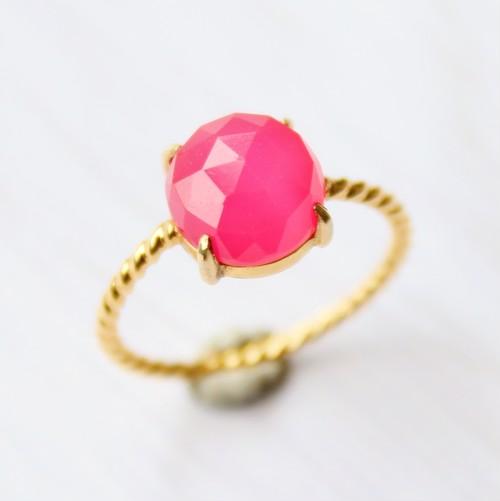 #9 Twist ring フューシャピンクカルセドニー