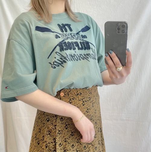 Tommy刺繍デザインTシャツ(elie)