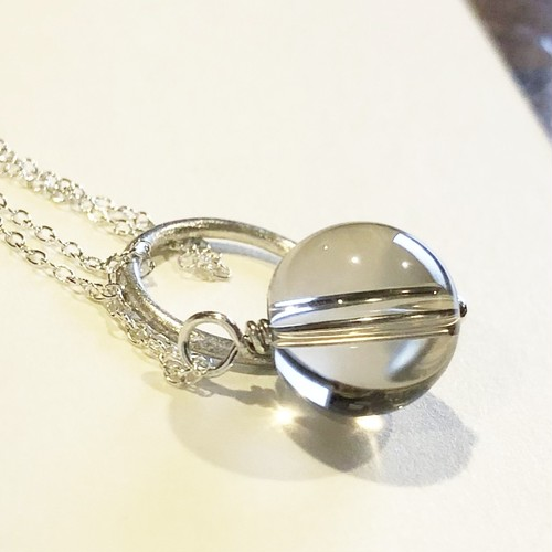 【希少】群馬県産 天然スモーキークォーツ  「Like water flow  水晶のネックレス」