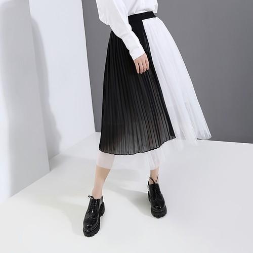 モード系 春スカートレイヤー レース スカート 大人きれいめ 美脚 透け感 白 黒コーデ 原宿系 20代 30代