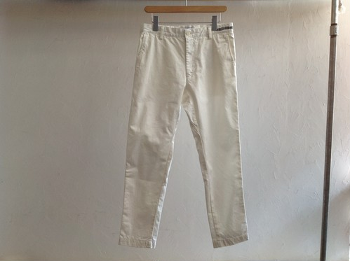 "UNIVERSAL PRODUCTS.""ORIGINAL TAPERED CHINO TROUSERS WHITE"""
