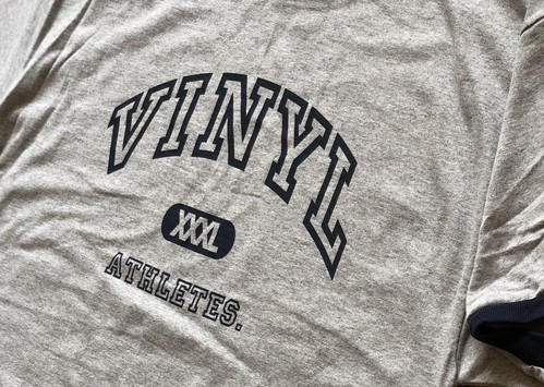 VINYL ATHLETE Tee GRY