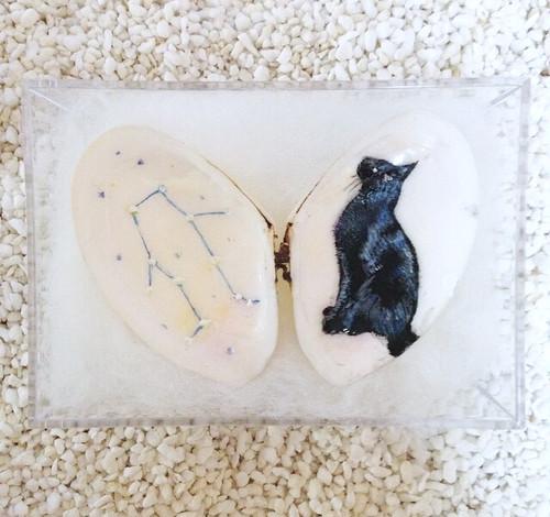 貝殻絵(黒猫と星座)