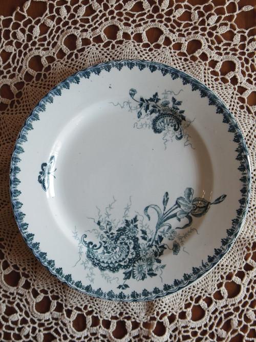 フランスのアンティークプレート ブルーの花の柄