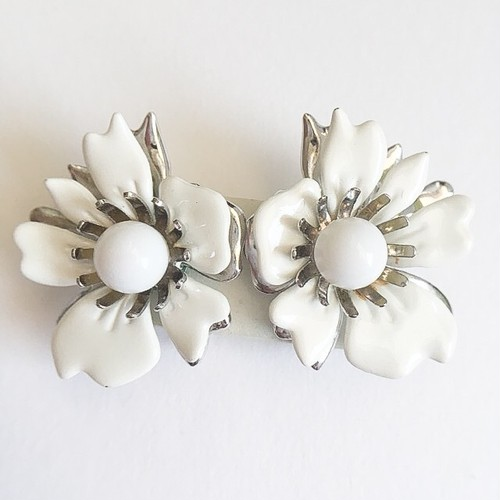 """Sarah Coventry"" Summer Magic white flower earring[e-926]"