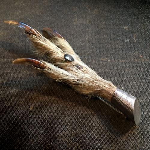 雷鳥の足のブローチ E