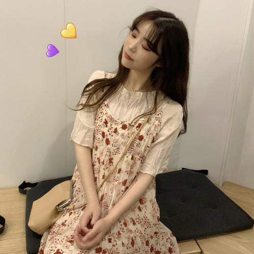 シフォンシャツ+花のストラップスカート