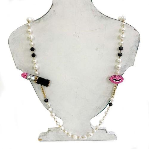 刺繍ネックレス 口紅と唇ピンク