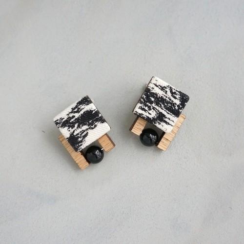 pierced earrings A-P32/earrings A-E32
