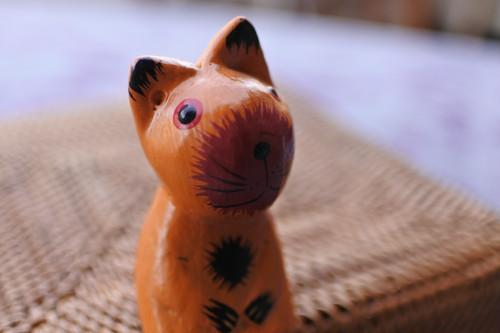 木彫りの動物 ネコ