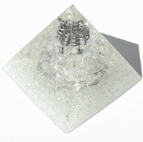 プレミアム ピラミッド クリスタルクリアー・ホワイト