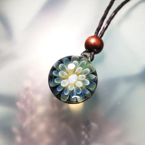 オパール入り花のペンダント20200218-1[わけあり品]