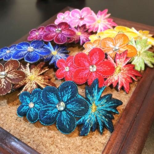 花刺繍のバレッタ
