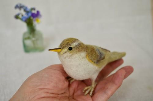羊毛フェルトの鳥・センダイムシクイ ♪