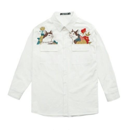 送料無料メンズ大きいサイズ花柄&猫刺繍白長袖シャツ