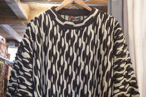 90's Bergati black and gray textured 3D Sweater