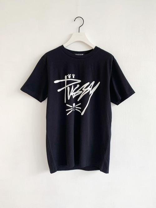 BLACK SCORE  PUSSY  T-shirt